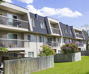 Riverbend Village Apartments - 5423 57 St.