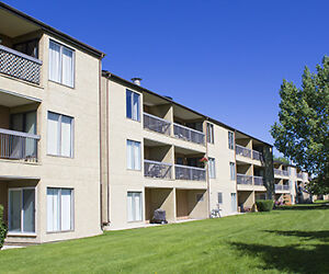 Tower Lane Terrace Apartments - 400 Tower Lane Dr.