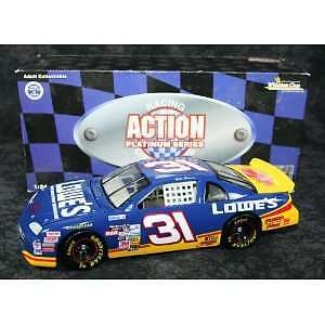 Action Nascar 1:24 Mike Skinner Lowe's Monte Carlo