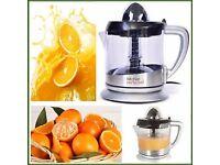 Electric Citrus Fruit juicer - Squeezer Lloytron (incl warranty) - Very Good Conditions