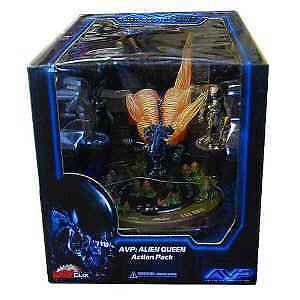 NEW! AVP ALIEN VS. PREDATOR ALIEN QUEEN ACTION PACK HORROR CLIX WIZKIDS
