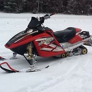 """2005 Skidoo mxz 80"""" H.O. with only 5000 miles"""