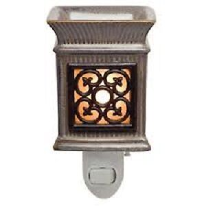 NEW IN BOX - Scentsy warmers - Excellent Price