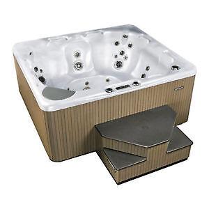 $500 OFF BEACHCOMBER HOT TUBS - Aloha Hot Tubs Moose Jaw Regina Area image 1