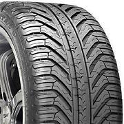 275 40 18 Michelin
