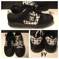 BOYS 5Y DC SHOES