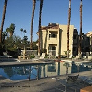 PALM SPRINGS 2 BEDROOM 2 BATHROOM CONDO