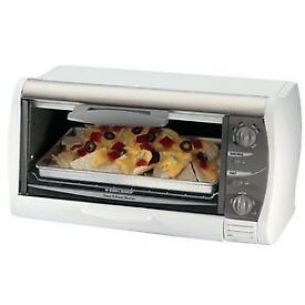 NEW Black & Decker TRO1000 Toast-R-Oven Broiler