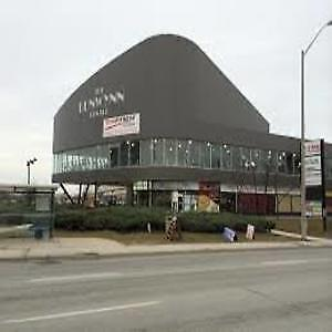 850 square feet of retail available for rent