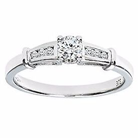 Diamond Ring Size M with Diamond shoulders Excellent Condition