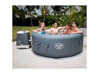 Lay-Z-Spa Palm Springs Hydrojet - Nearly NEW - EXCELLENT condition £499!! Viewing recommended.