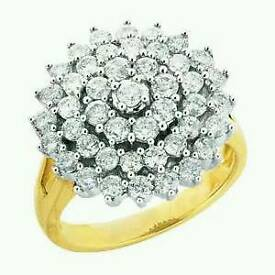 beautiful 18cg 2 c diamond cluster ring