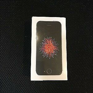 Space Grey iPhone SE 16 GB Brand New in Box Unlocked