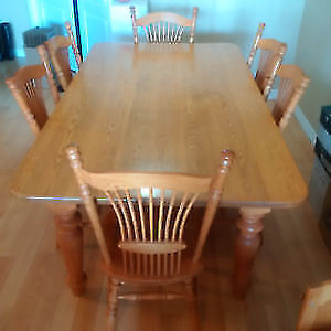 Solid Oak Dining Table + 6 Chair - Great Shape