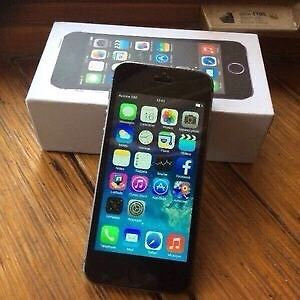 iPhone 5S factory unlock comme neuf