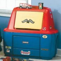 Step 2 toy box, 2 Car Seats