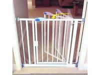 Auto-close extra narrow white metal child safety gate