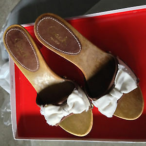 AUTHENTIC NEW COACH ATHEENA WHITE/BROWN SANDALS SIZE 6