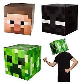 Minecraft -2 creeper heads, boxed figure, badges, sticker, wrapping paper, foam to make creepers