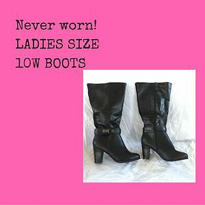 LADIES SIZE 10W BOOTS - never worn