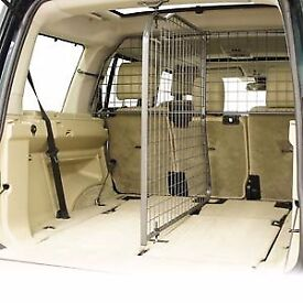 Land Rover Discovery 3 & 4 Dog guard and separator (Travall)