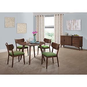 Rosie Light Walnut Dining Table With 4 Rosie Light Walnut Side Chair