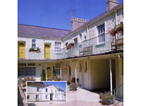 Coaching mews in great location close to harbour and town centre