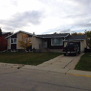 Fully Furnished Fox Creek, AB House for Rent