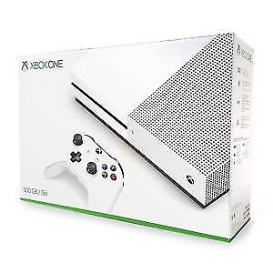 Xbox one s mint shape 1 controller and comes with box