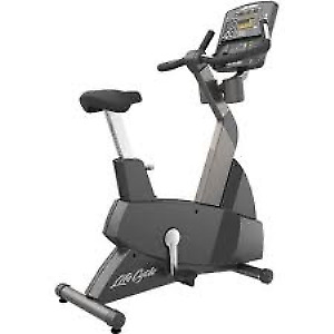 Life Fitness Integrity Series Commercial Upright Bikes
