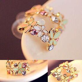 Fashion Women Elegant Crystal Rhinestone Ear Stud Earrings.