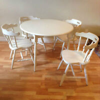 White Round Dining Table Set
