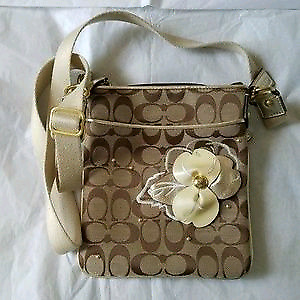 f79743b3ed61 Authentic Coach cross body bag