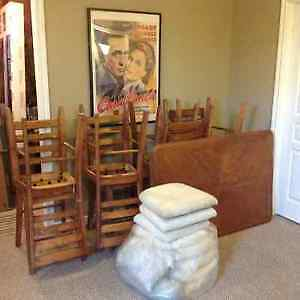 Wooden Oak Table & 8 Cushioned Chairs London Ontario image 1