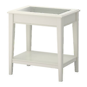 Deux 2 tables table salon Liatorp ikea ikéa blanc blanche