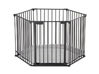 Matt Black BabyDan play pen room divider fire guard excellent condition, grey play base included.