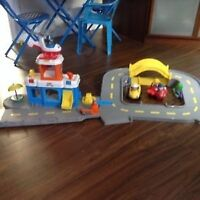 Aeroport et train fisher price
