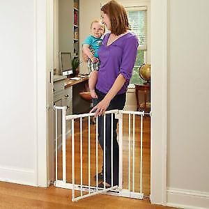 North States 4910 Supergate Easy Close Metal Gate, White