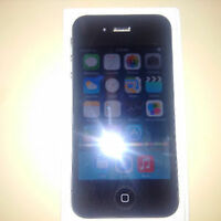 IPhone 4s black 16 gb telus koodo mobile and pubilc mobile