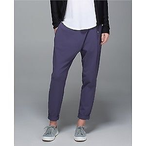 various sizes of Lululemon capris/pants - sizes 8 to 12 Kitchener / Waterloo Kitchener Area image 3