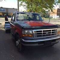 1997 Ford E-350 Pickup Truck