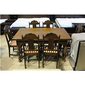 ANTIQUE OAK DRAW LEAF TABLE AND 6 CHAIRS