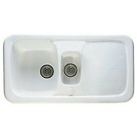 1.5 Bowl Farmhouse White Ceramic Kitchen sink in excellent condition, used for month, like new.