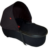 Phil and Teds Peanut Bassinet with cover and visor