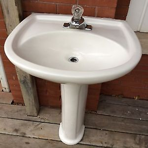 Pedestal Sink White - With Complete Faucett