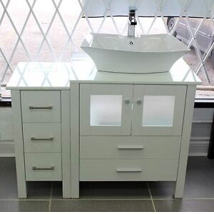 IN STOCK BATHROOM VANITY!! BLOW OUT SALE!!! WOW!!