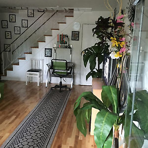 LUXURIOUS 3 LEVEL TOWNHOUSE IN WEST ISLAND