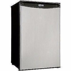 HAMILTON BEACH / IGLOO / DANBY/ RCA 1.7/ 3.2/ 4.4 CUFT. Mini Refrigerator SALE FROM $79.99 - NO TAX