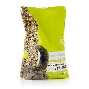 4 Large Bags of Cat Litter 4x 30 Litre Size