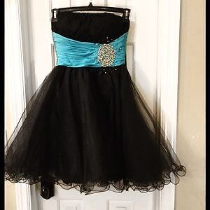 strapless Chicas dress Size xs